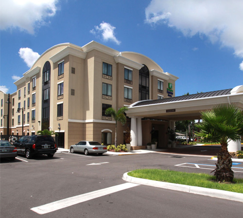 Holiday Inn Express & Suites - Busch Gardens/USF