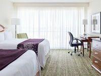Queen / Queen Bedded Room
